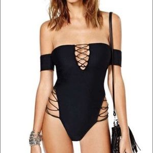 NWT Lace up off shoulder swimsuit